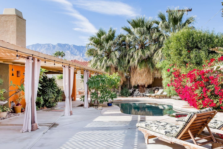 best-palm-springs- airbnb
