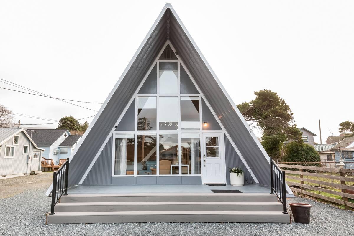 A-Frame Airbnb Oregon Coast - Rockaway Beach