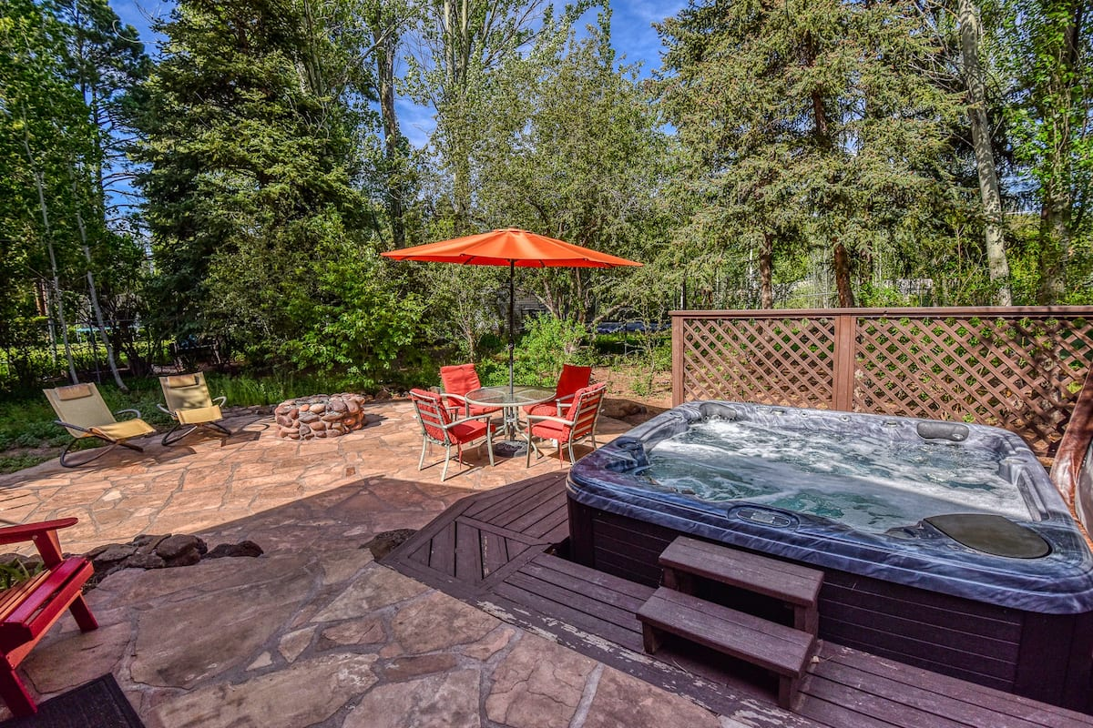 Airbnb Flagstaff with Jacuzzi