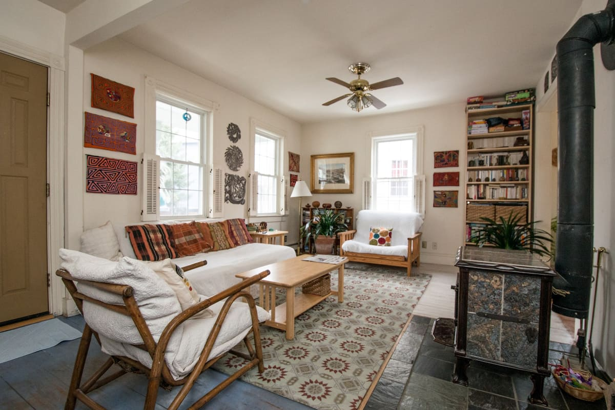 Charming Airbnb in Newport for solo travelers
