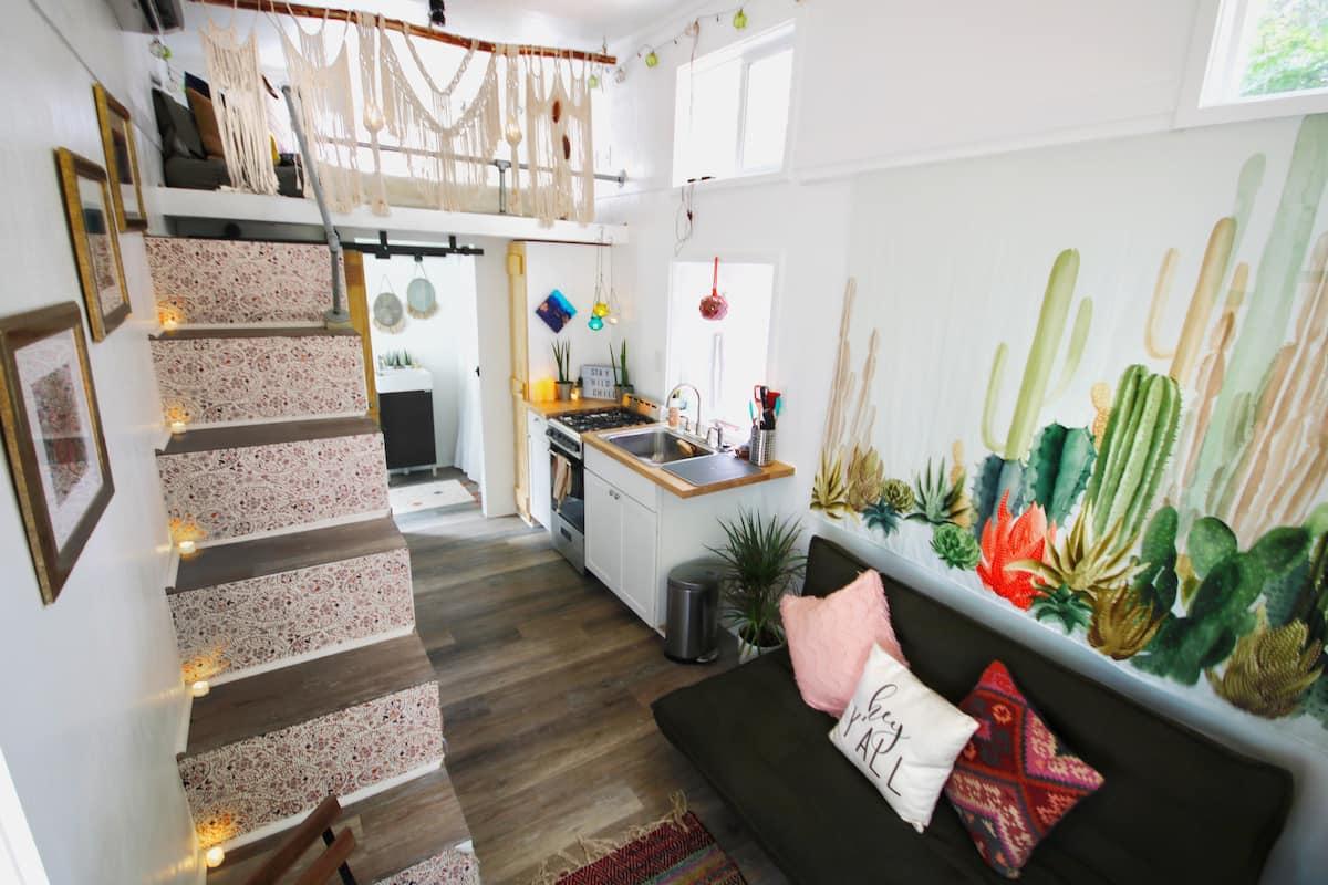Cute Airbnb Charlotte NC - Tiny House