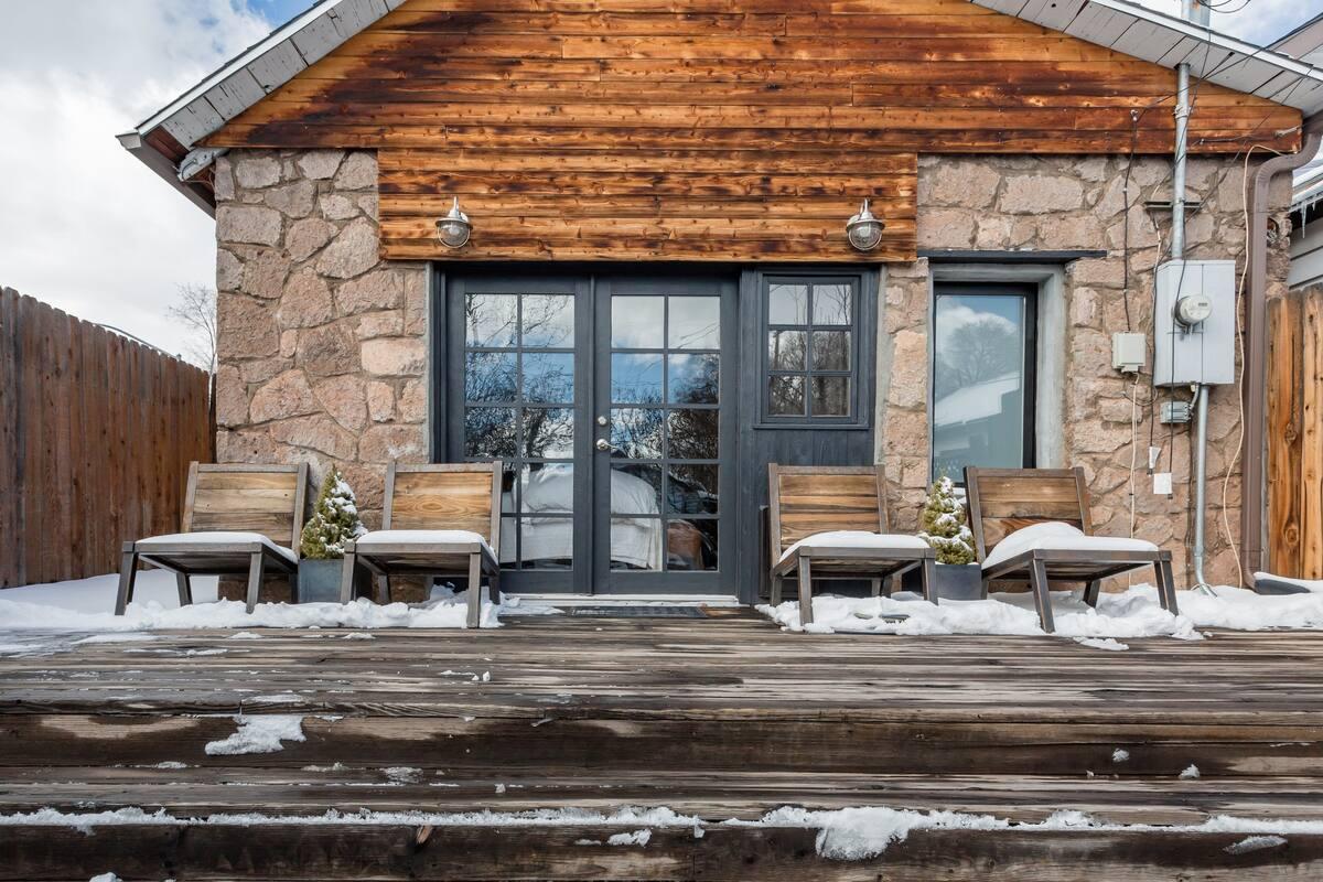 Hip Chalet Airbnb Downtown Flagstaff AZ