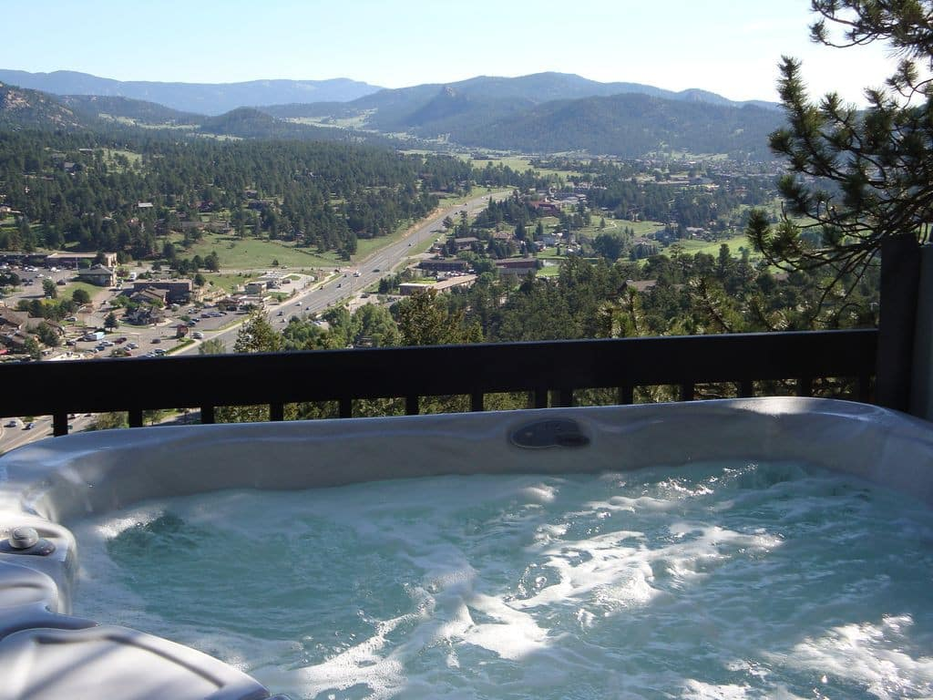 Luxury Airbnb Estes Park with Hot Tub
