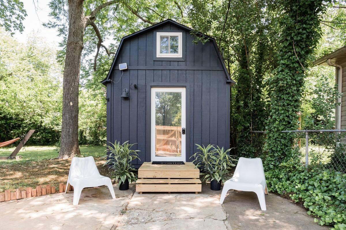 Unique Airbnb Charlotte NC - Tiny Home