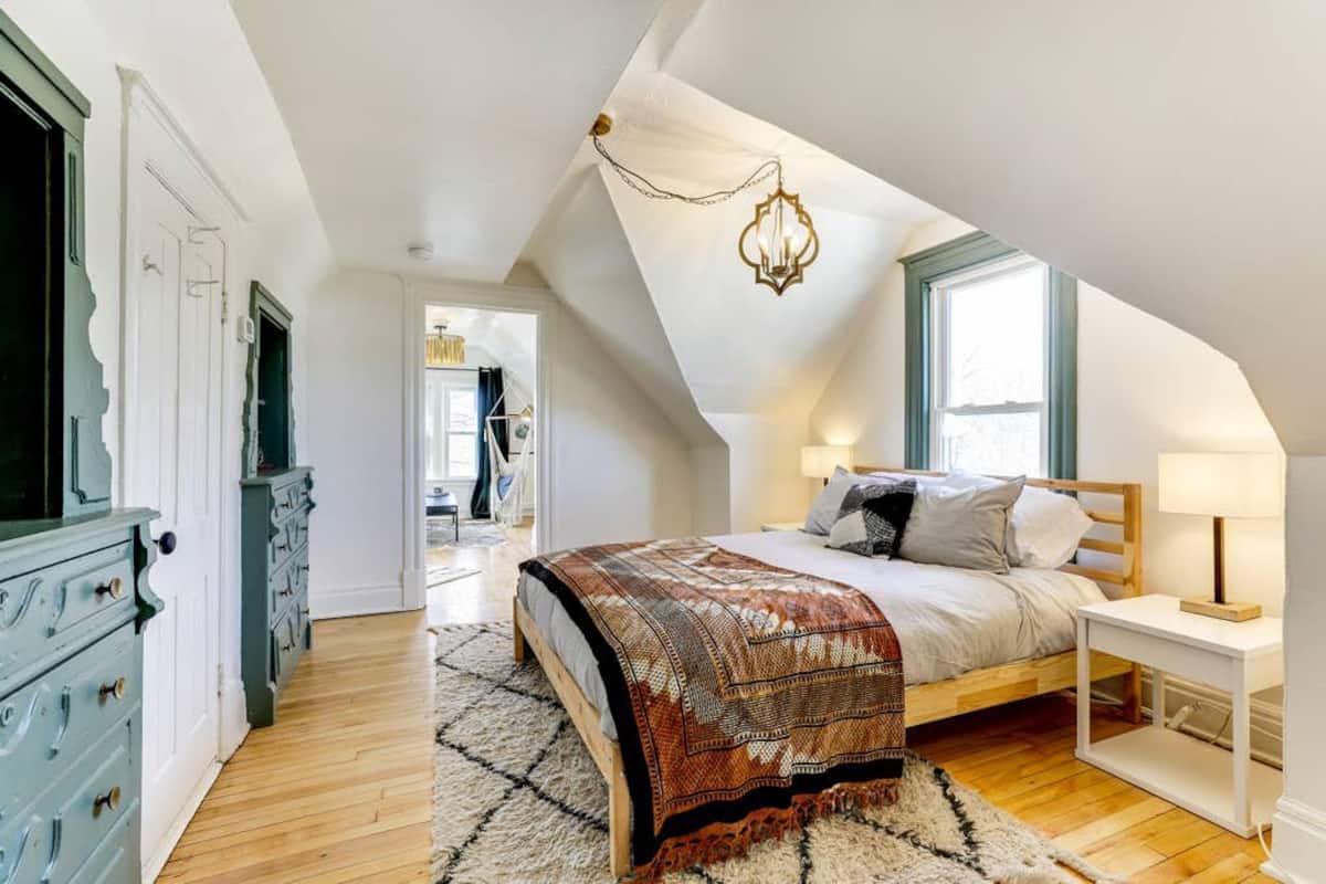 airbnb minneapolis Loft