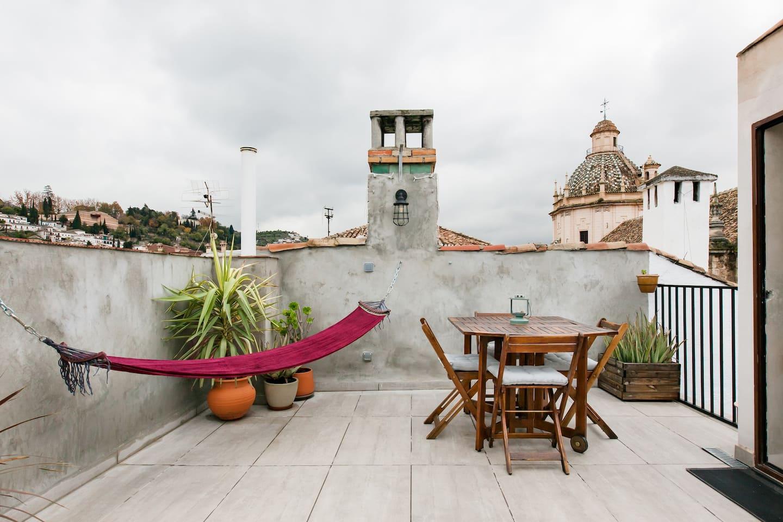 balcony pamplona airbnb