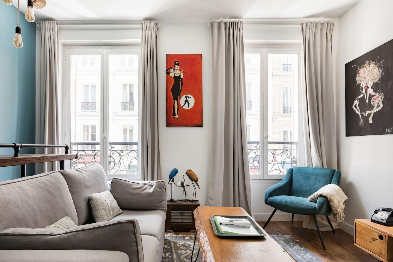 Champs-Élysées-Airbnb-Paris-France