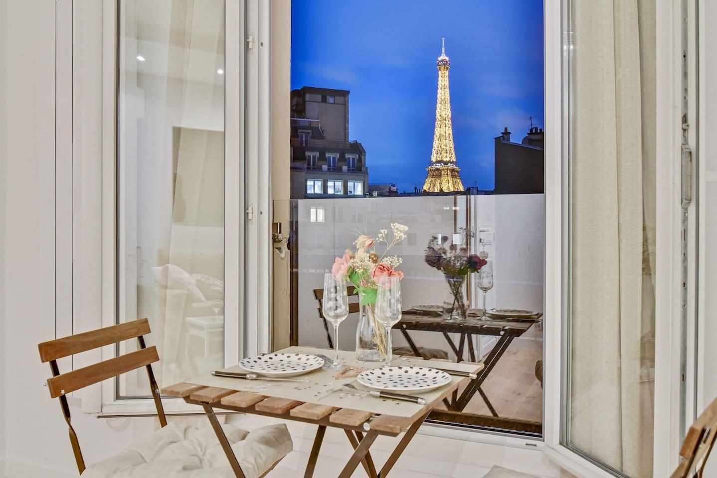 Romantic Paris Airbnbs