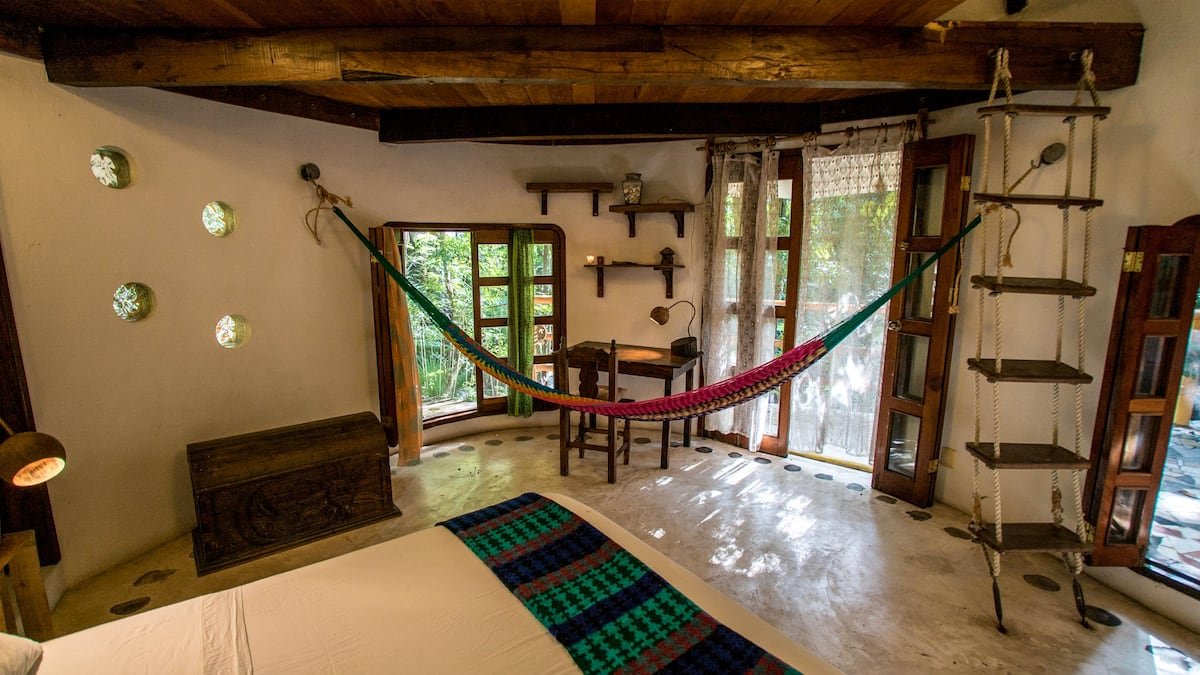 TreeHouse La Selva