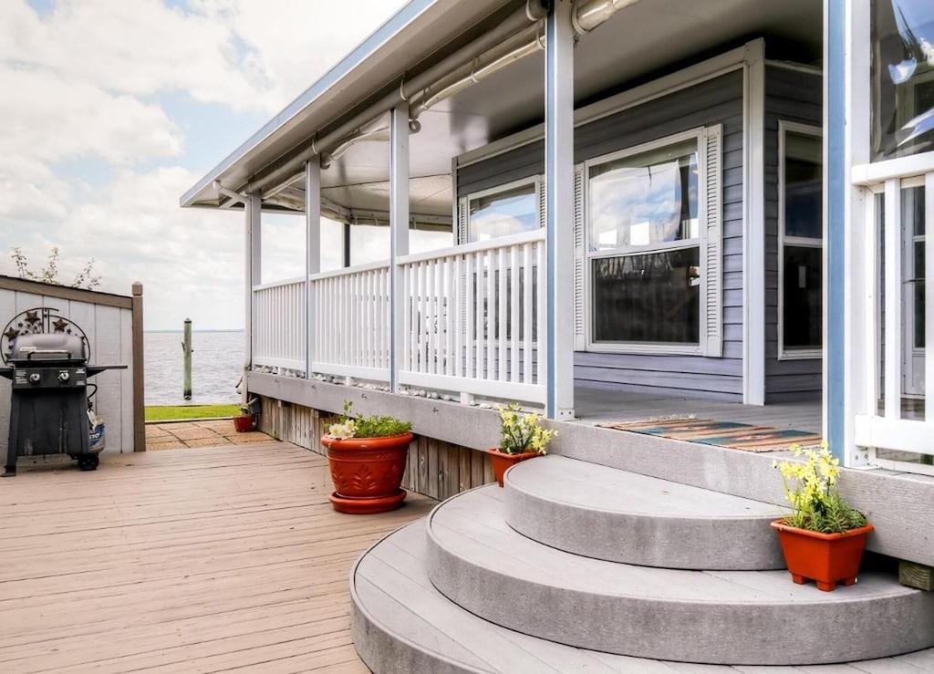 virginia beach charming RV beach cottage