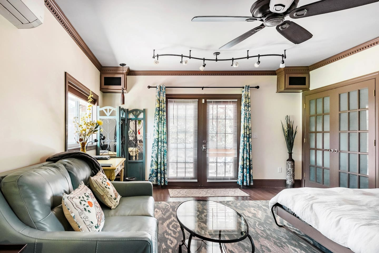 Enjoy Social Distancing in a Secluded Luxary Suite - Airbnb Virginia Beach