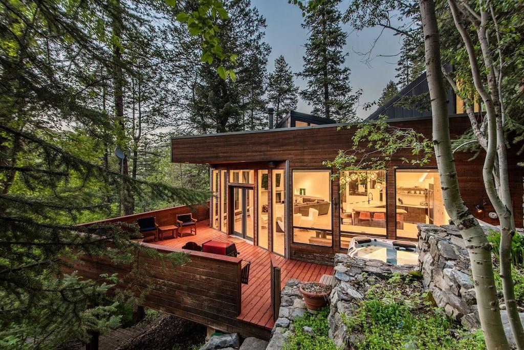 Luxury Treehouse Glamping Utah