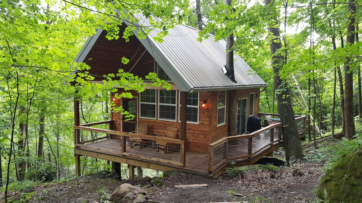 Acadia Cliffs Treehouse Cabin Glamping Ohio