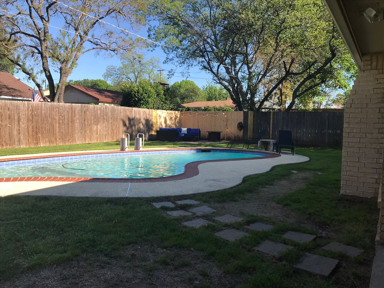 Airbnb Arlington with pool