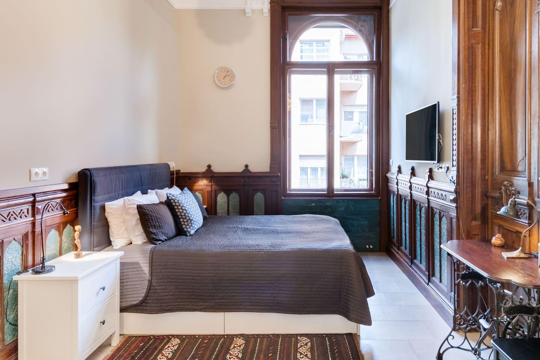 Airbnb in Budapest Jewish Quarter
