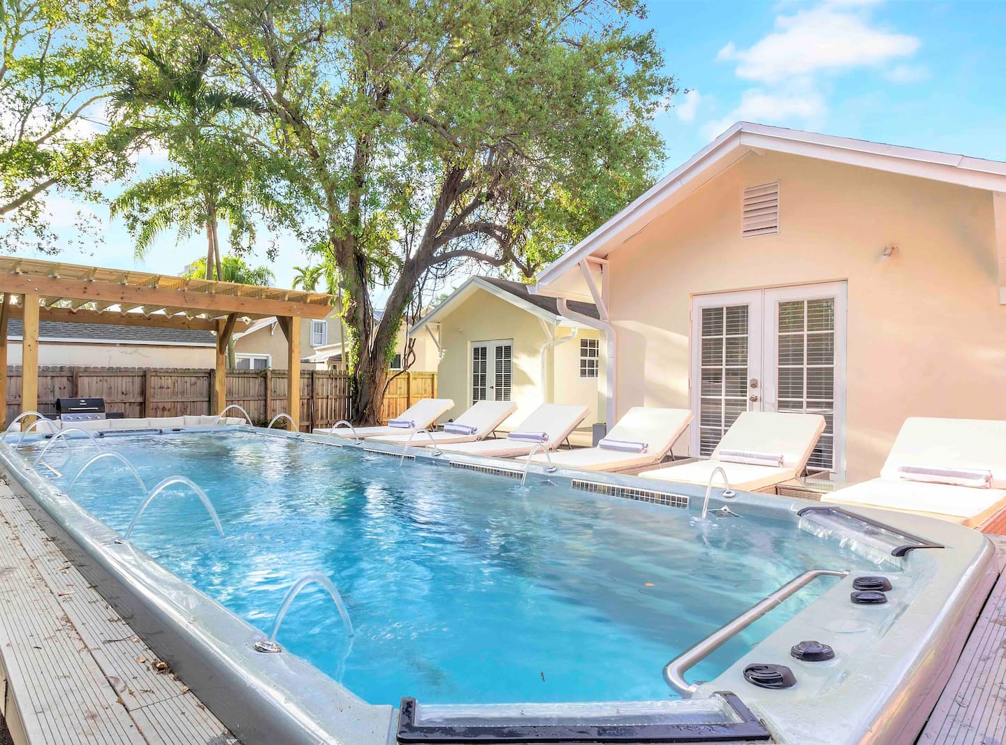 Airbnb in Fort Lauderdale with Pool