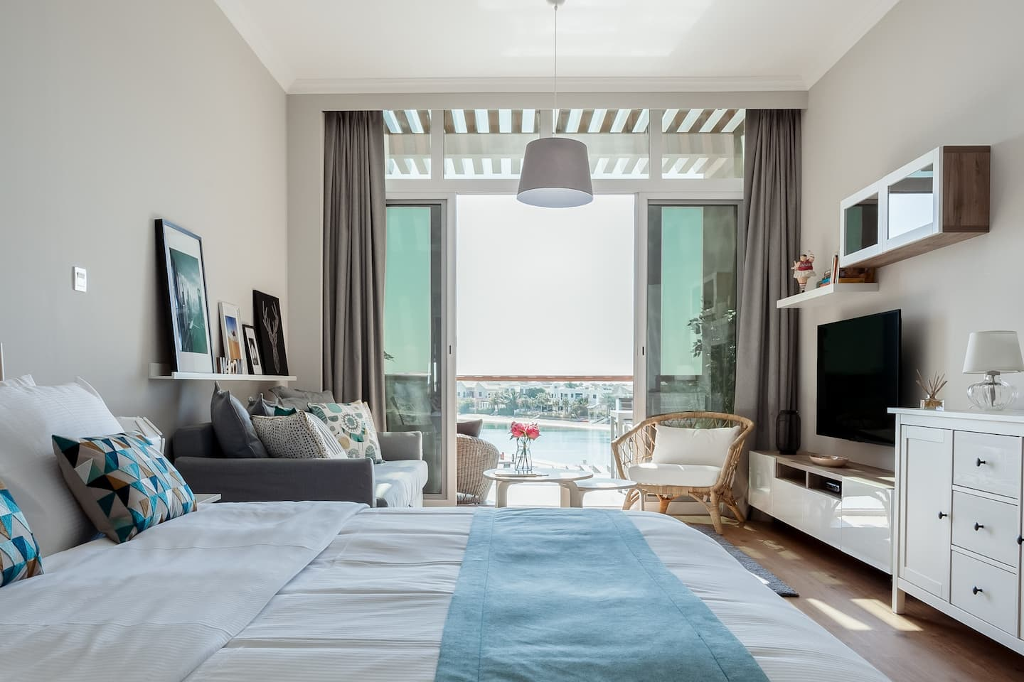 Best Romantic Dubai Airbnb