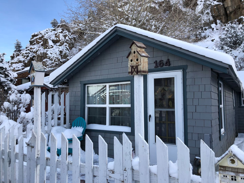 Cozy-Historic-Cabin-Estes-Park-Airbnb