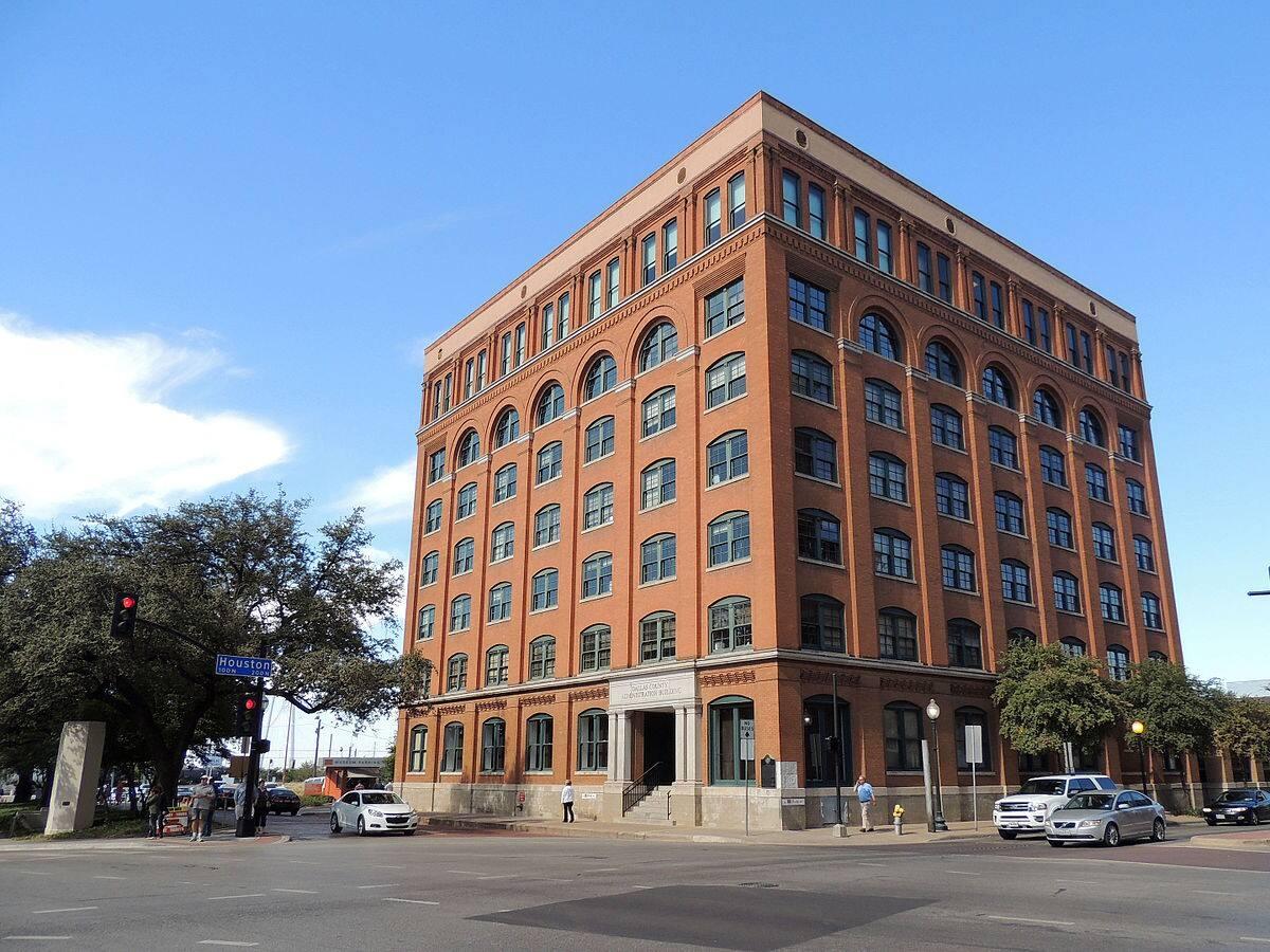 Dallas Tours To Book