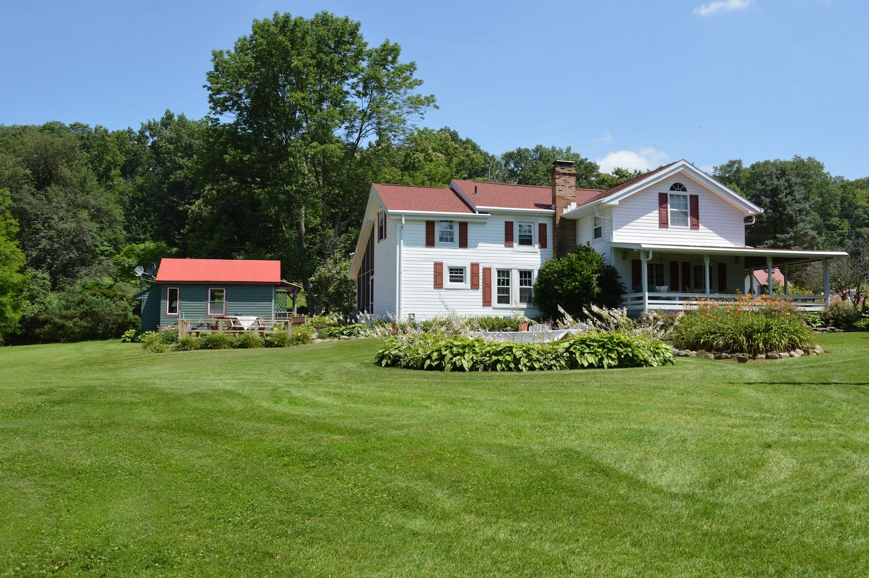 Farmhouse Glamping in Ohio