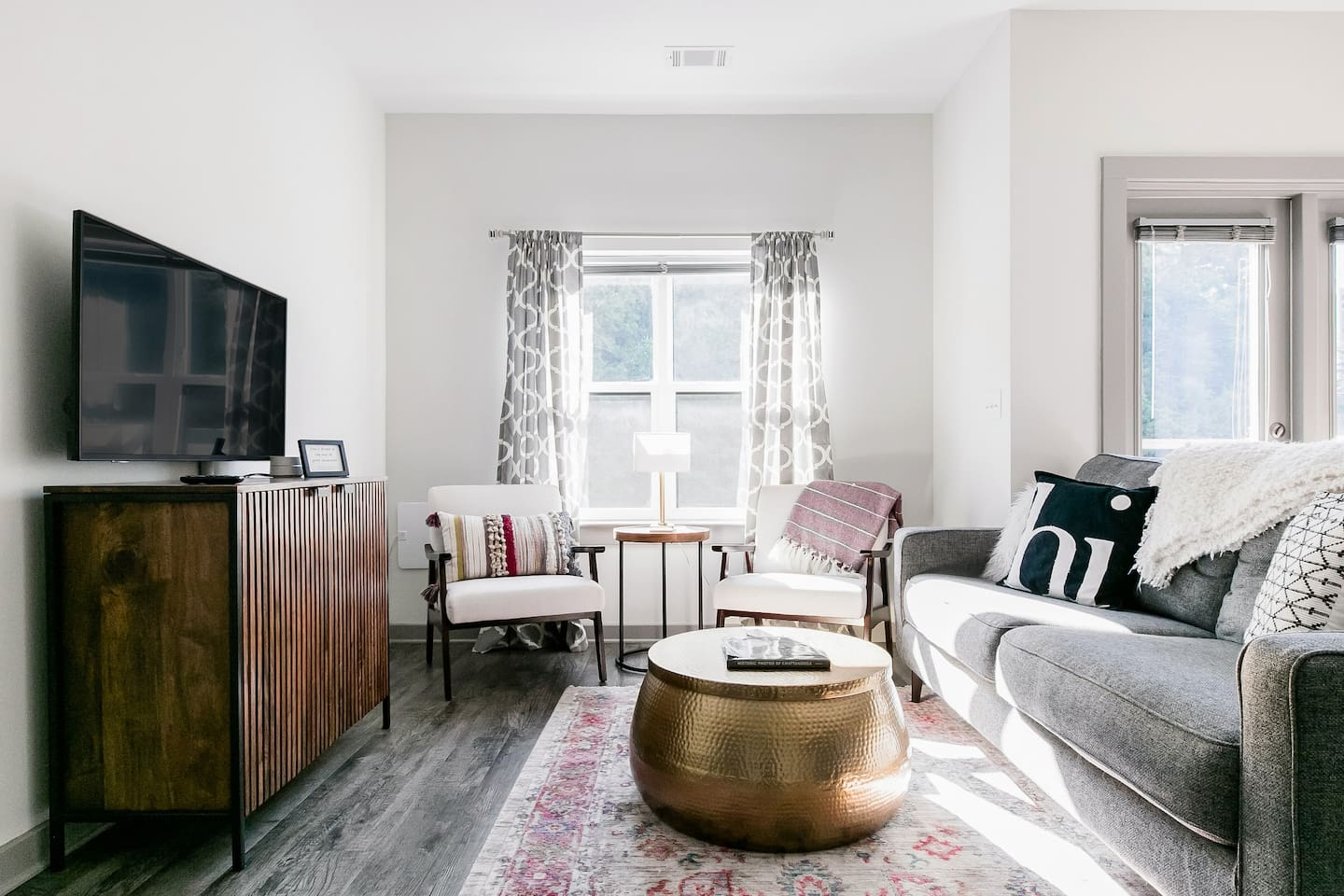 Stylish & Family-Friendly Downtown Condo with Pool - Chattanooga Airbnb TN