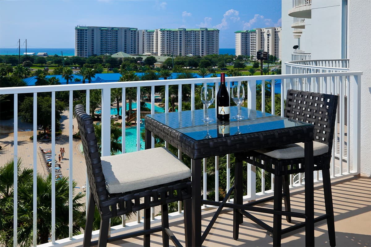 The Palms - Airbnb in Destin FL with Pool