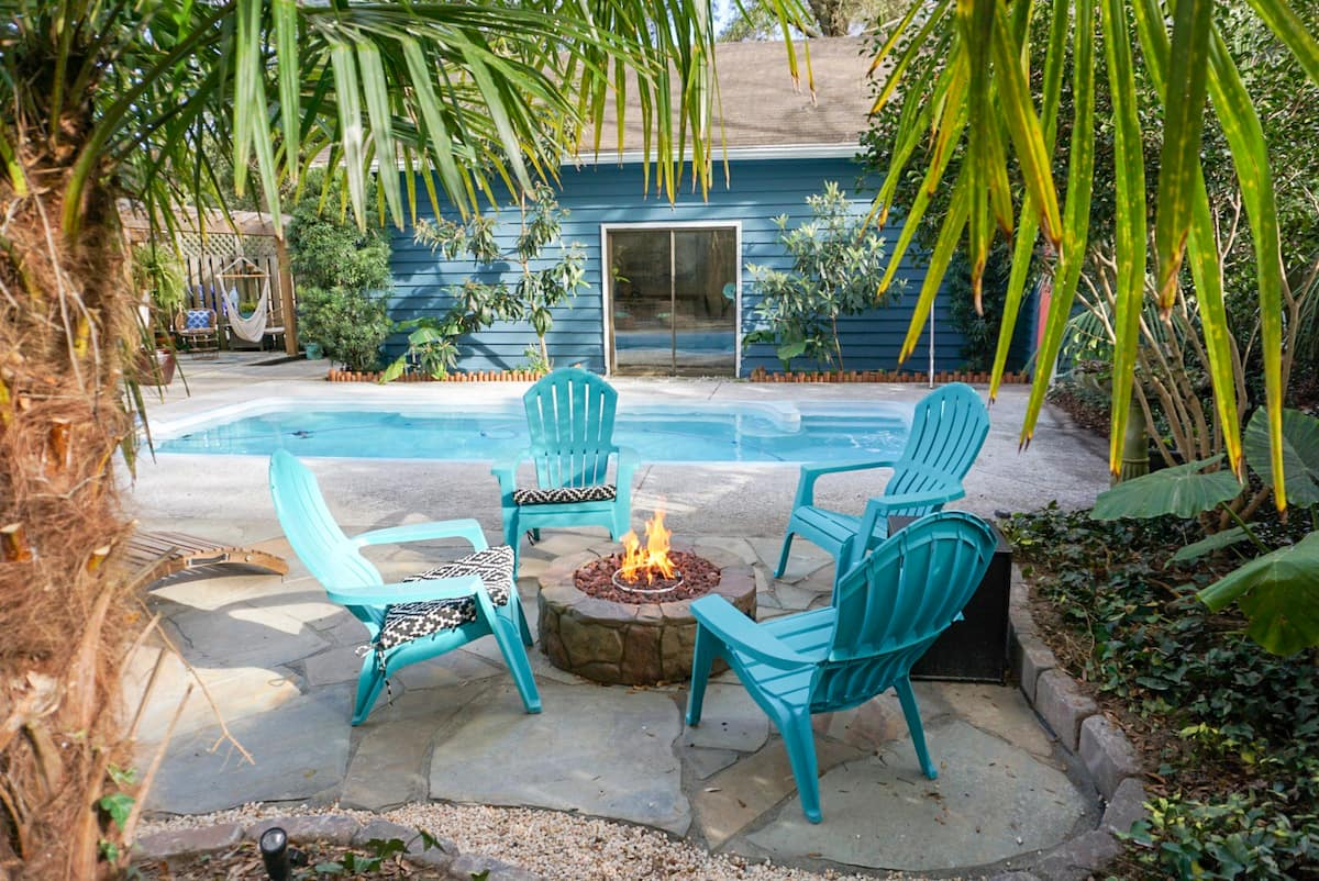 airbnb charleston with pool
