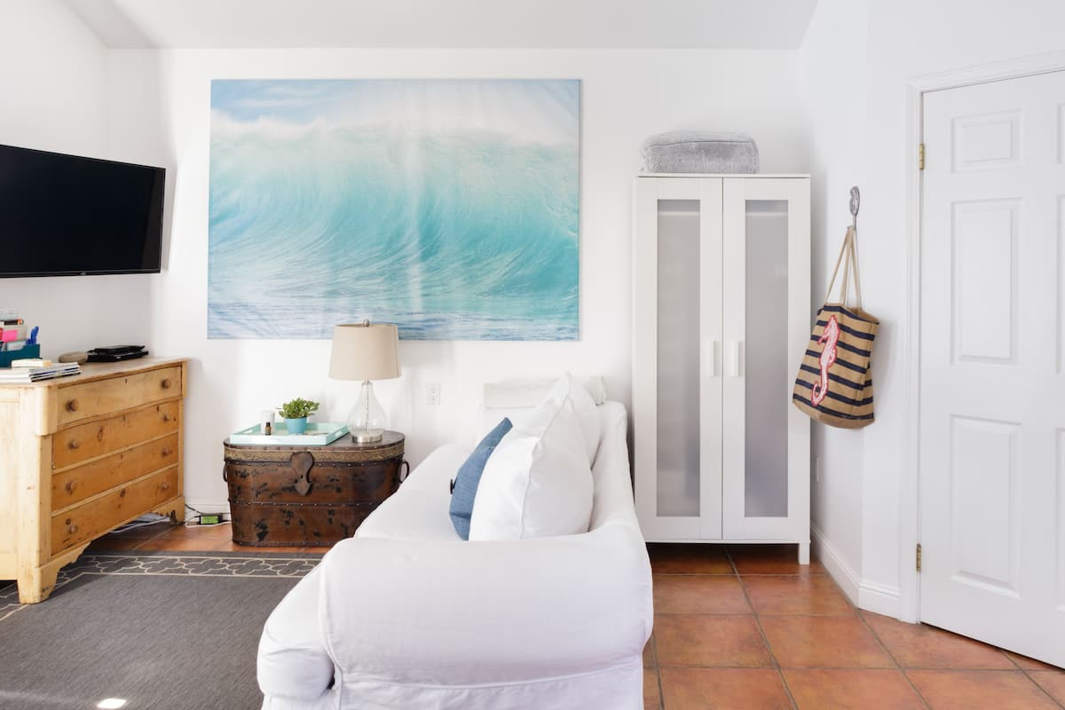 airbnb los angeles beach