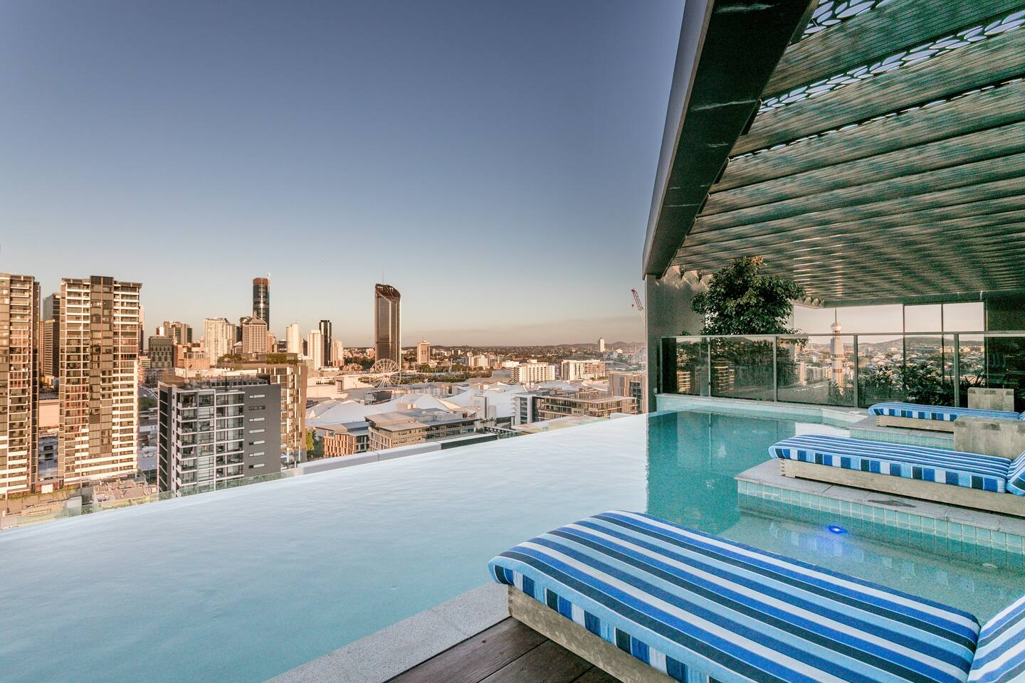 brisbane penthouses airbnb