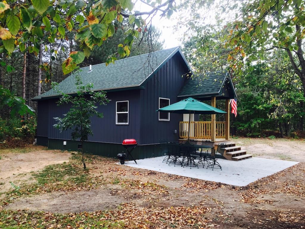 camp garno michigan cabin in the woods
