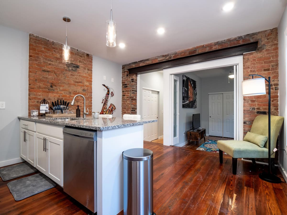 cincinnati airbnb OTR