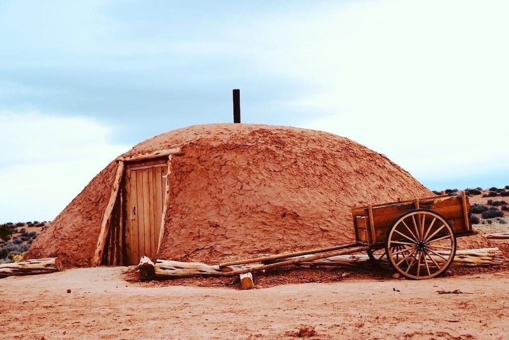navajo earth log cabin hogan grand canyon