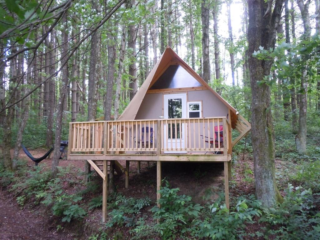 ohio pine treehouse glamping luxury camping