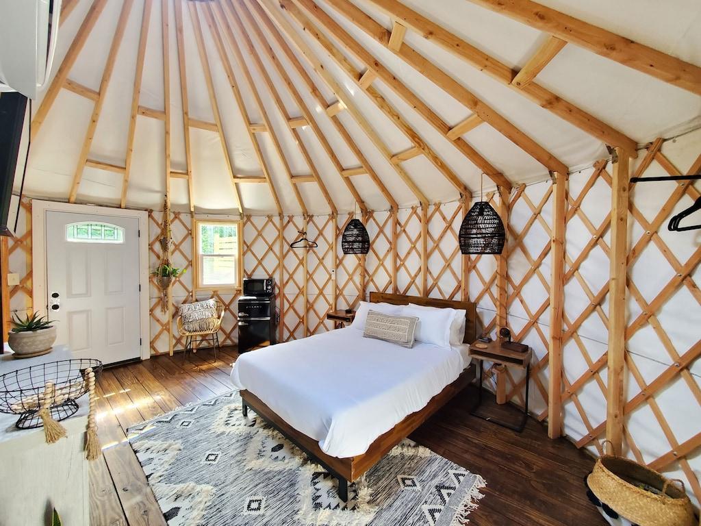 ohio yurt luxury glamping