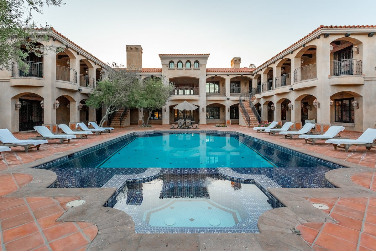 phoenix airbnb palacio biltmore luxury mansion pool