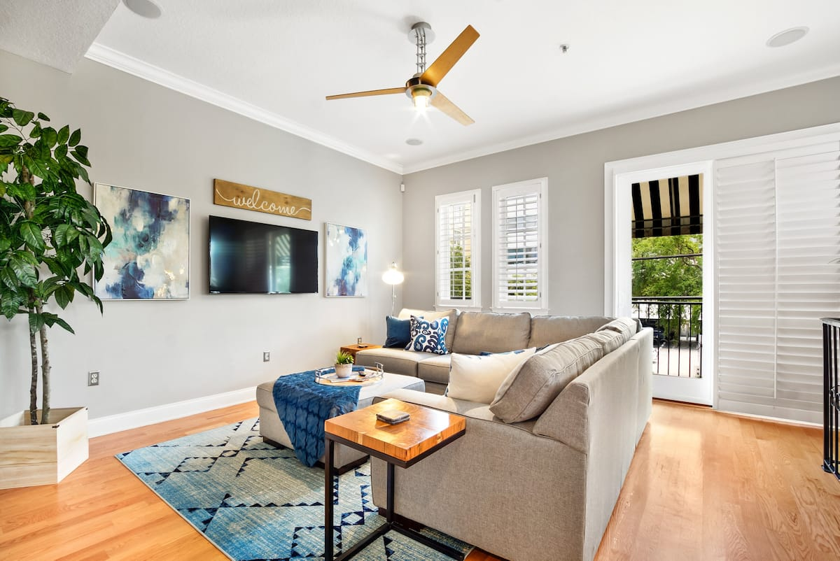 townhouse luxury airbnb tampa