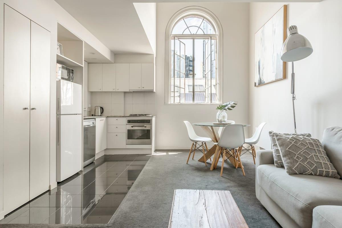 Airbnb Melbourne CBD Loft