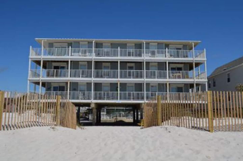 Beachfront Airbnb Gulf Shores
