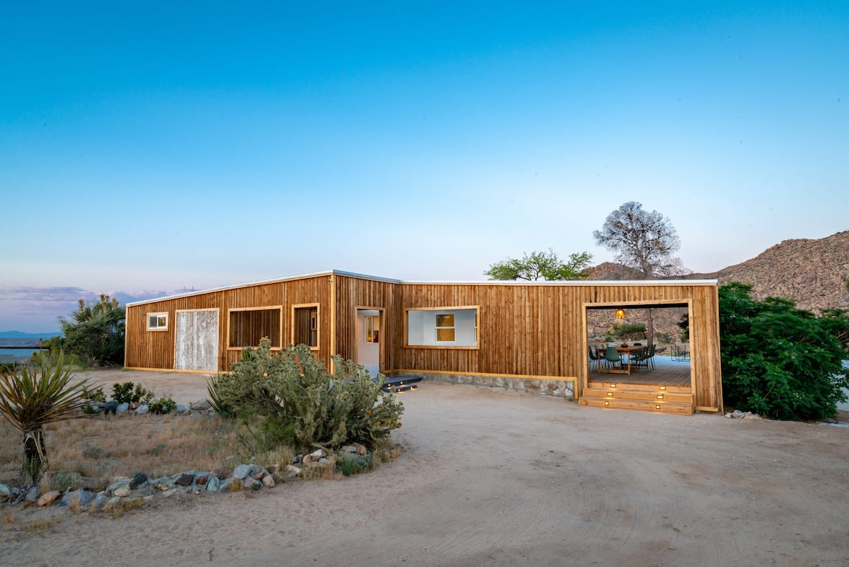 Best Airbnb in Joshua Tree for Large Groups