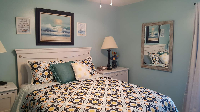 Cute Beach Condo - Airbnb in Gulf Shores