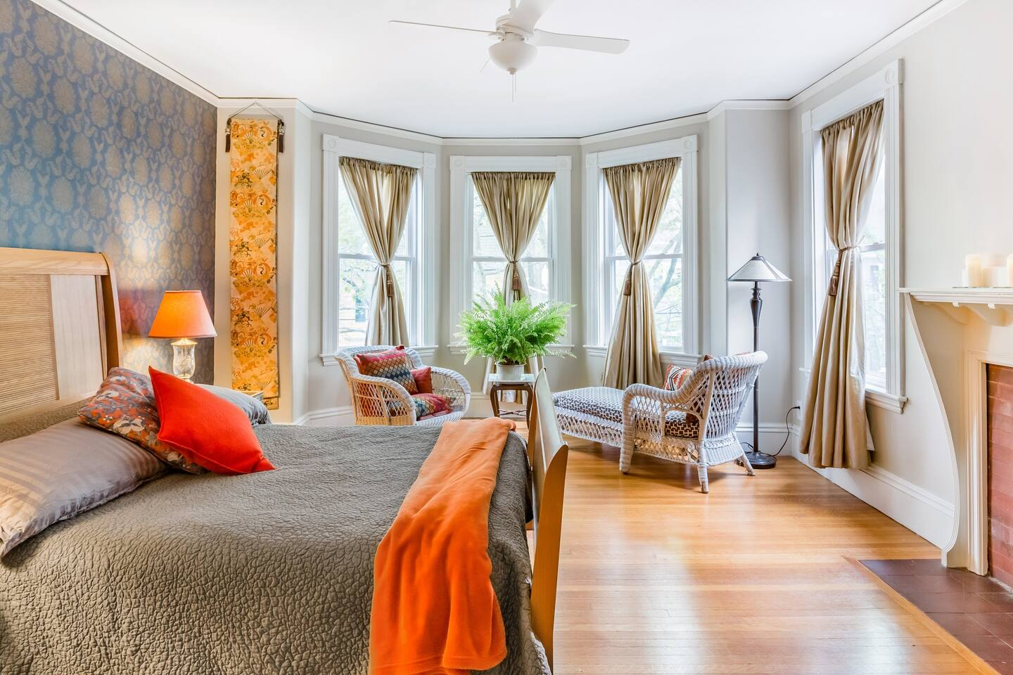 Master Suite Guest Unit in Historical Home - Airbnb Salem MA