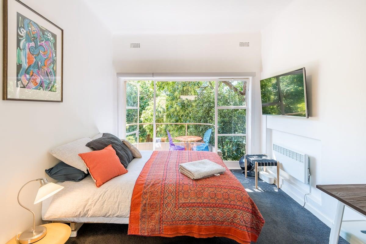 Melbourne Australia Airbnb Studio