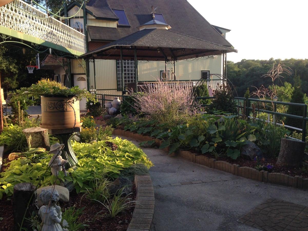 Salem, Massachusetts Airbnb Rental
