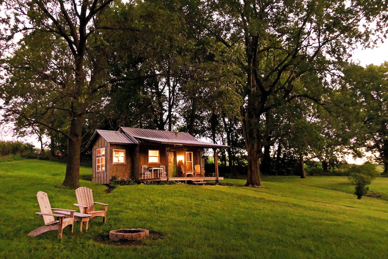 The Cabin at Honey Creek - Nebraska-Glamping