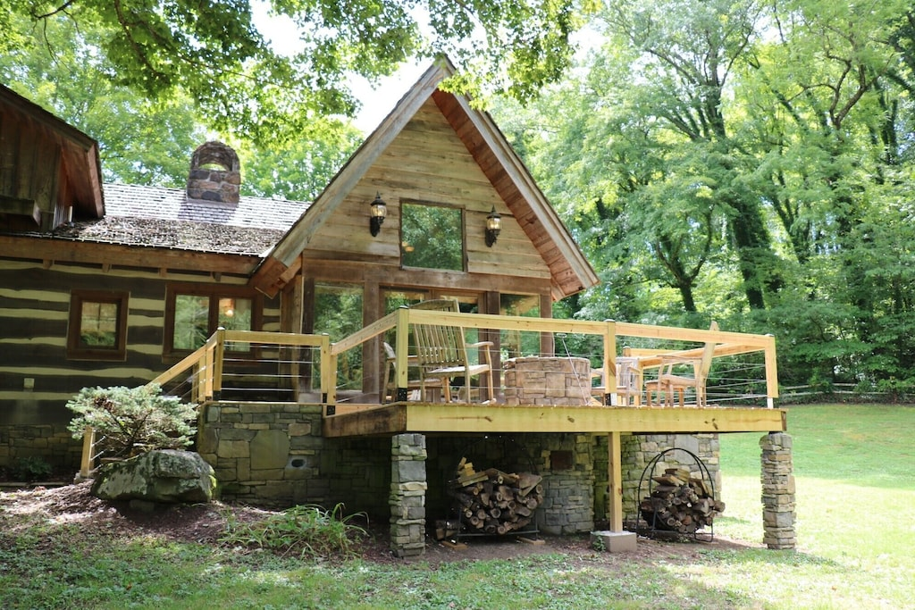 knoxville tennessee historic modern log cabin