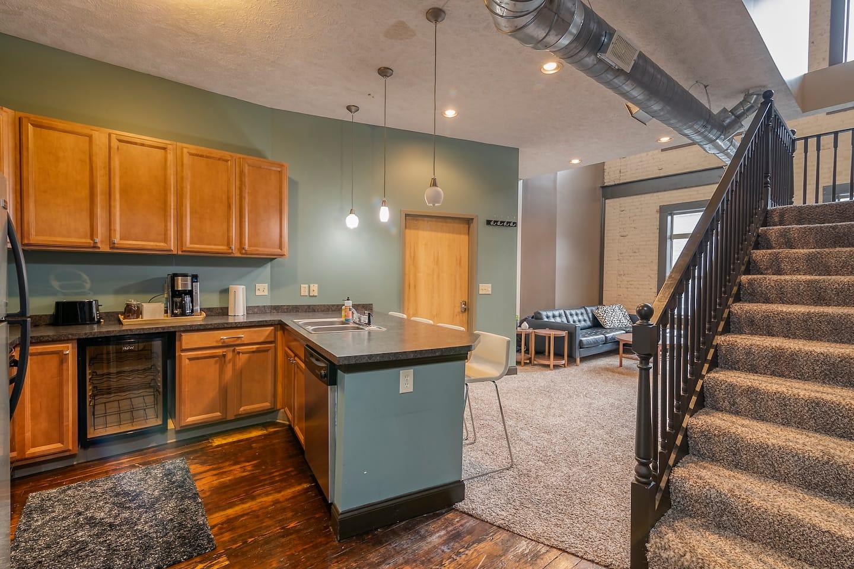 2-Bedroom Loft Right Downtown Lansing