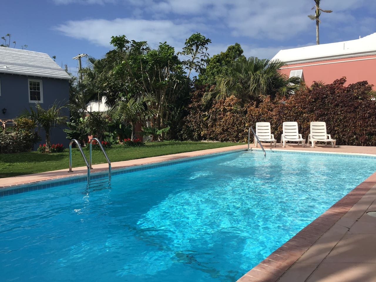 Airbnb Bermuda with Pool