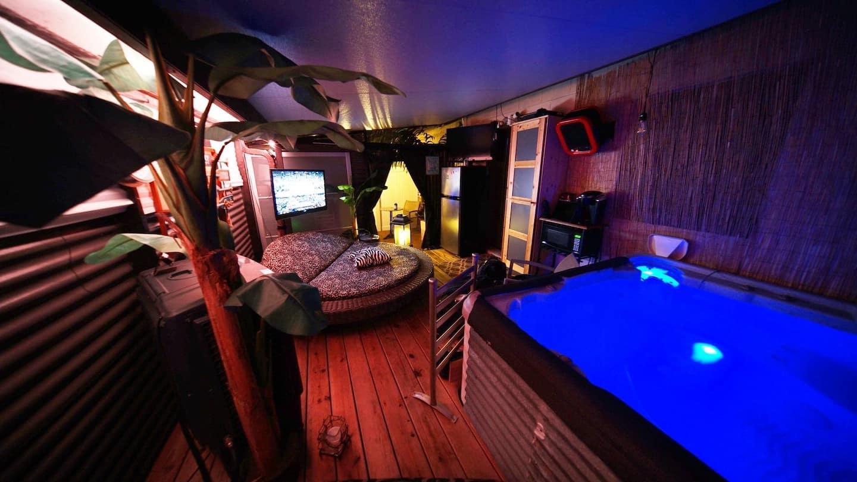 Airbnb Daytona Beach with Hot Tub