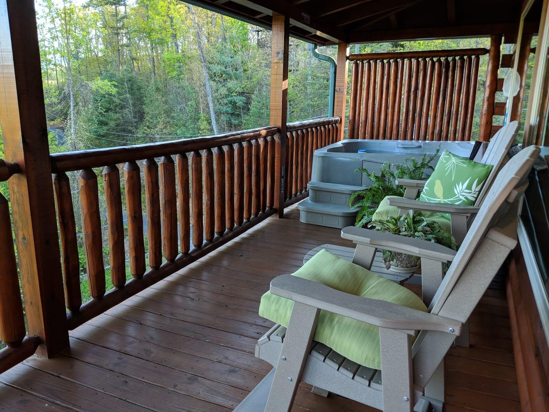 Airbnb Gatlinburg with Hot Tub