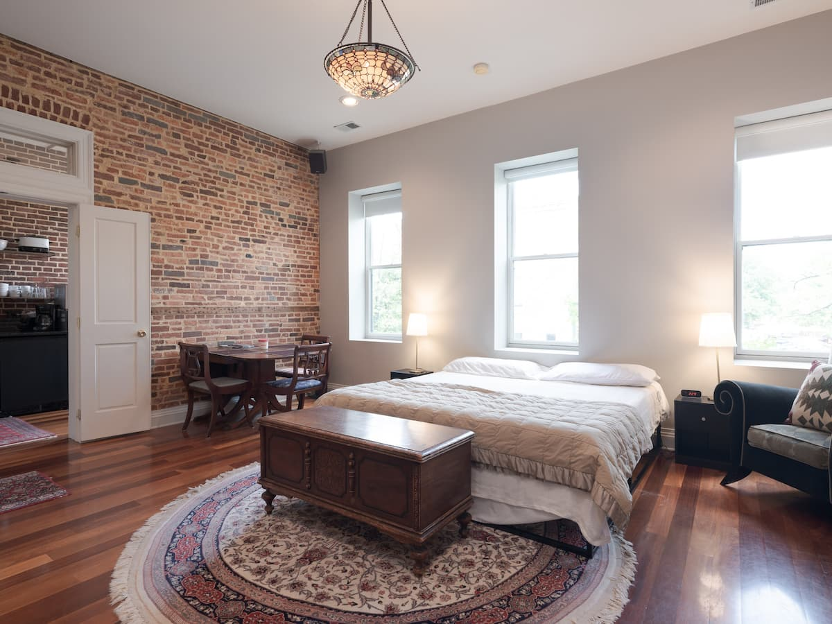 Cheap Airbnb Baltimore